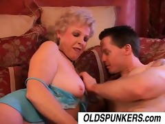 jewel is a sexy cougar who can to fuck lucky