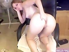 blond college hotty marie masturbates