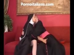 suora troia scopa in culo col vescovo - sister