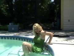 charlee pursue underwater