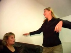 mother and not her daughter - mutter und nicht